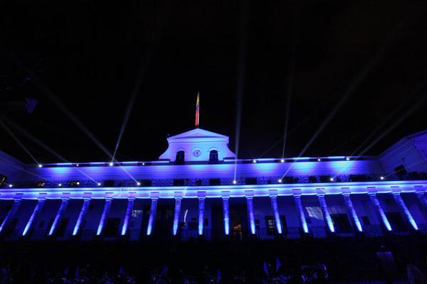En el día mundial de la concienciación sobre el autismo, iluminamos Carondelet de azul