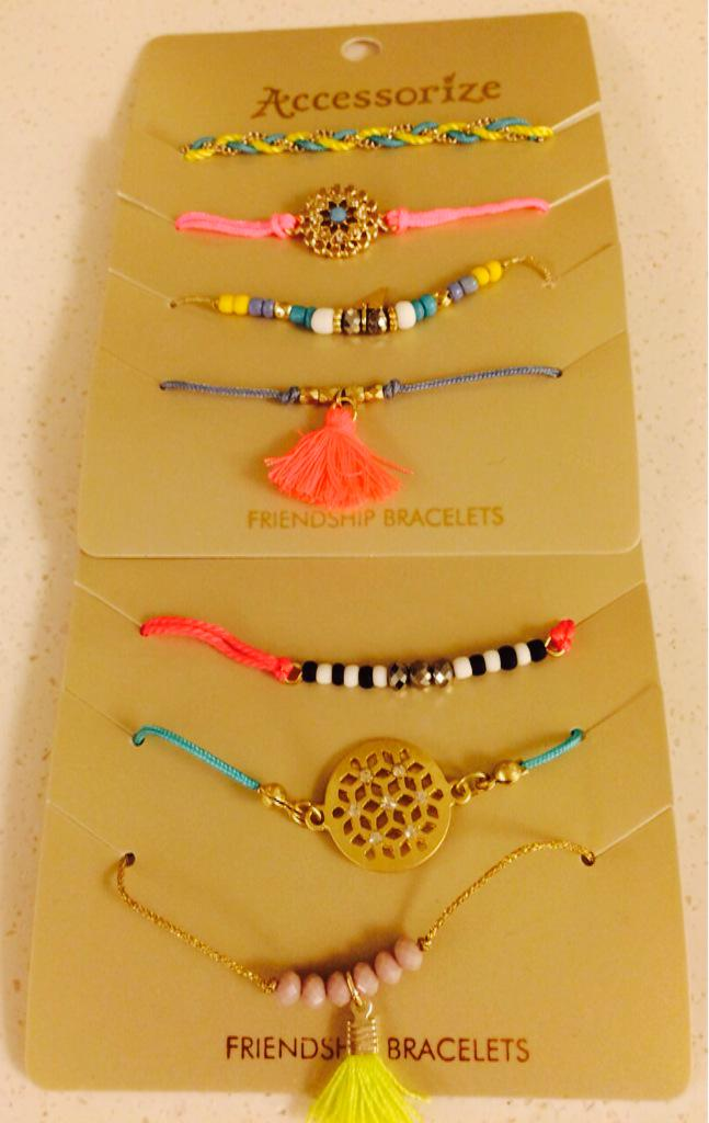 Love these for summer @Accessorize @nickede ❤️👍 http://t.co/NeXELiE0VM