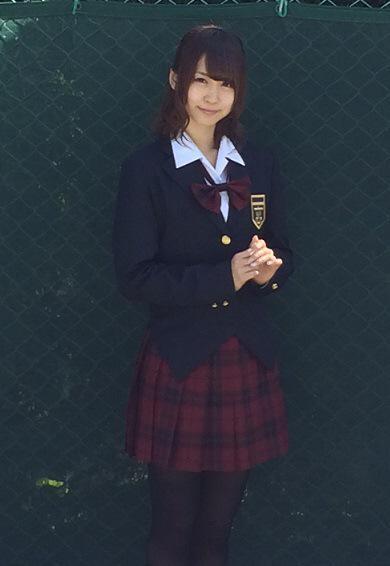 """''リアル葉子''撮影に成功!? ヒロイン白神葉子役 芹澤優ちゃんの''じつわた制服""""姿! クールビューティすぎますー 日光に弱いので、日陰で撮りました(笑) #jw_anime"""