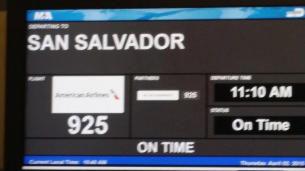 Allá voy EL SALVADOR. ..a apoyar a mis amigos de la #SelectaPlayera .quien va al estadio hoy en COSTA DEL SOL? http://t.co/sUuQp7facr
