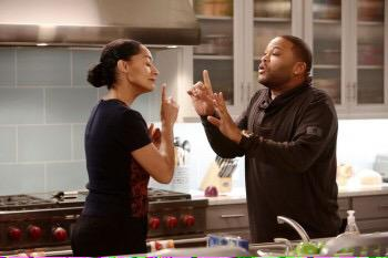 ABC's 'black-ish' Scores Its HIghest Adults 18-49 Rating http://t.co/z6aWarKDjN http://t.co/ZiM4VgyNZt