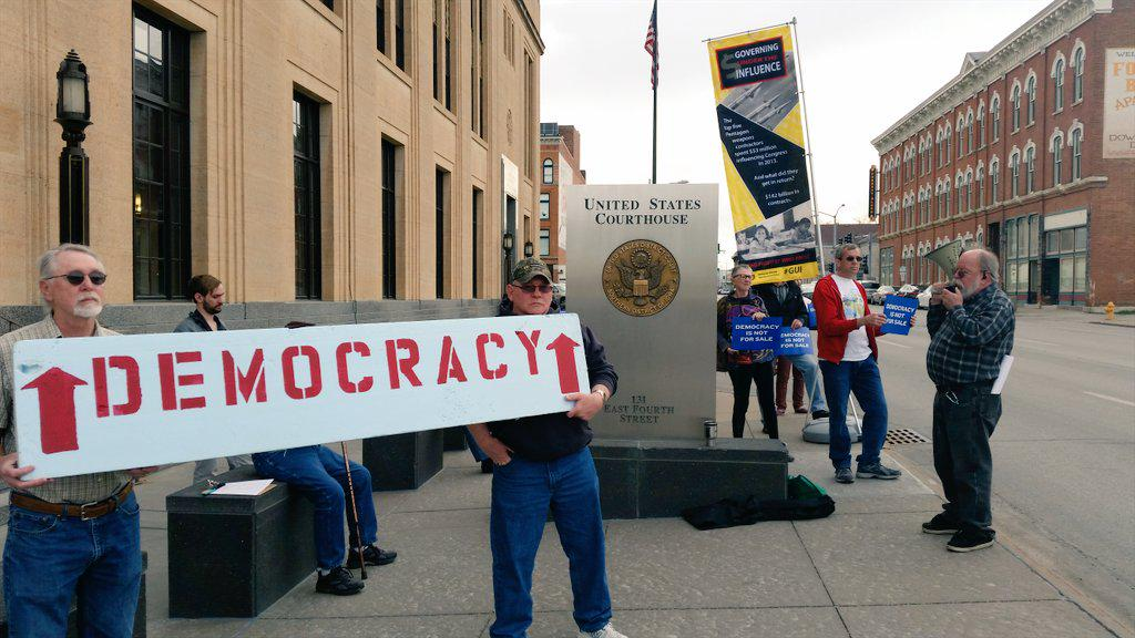 Rally in #Davenport calling for  #BetterPolitics and to #GetMoneyOut in #Iowa #WhoProfits #iapolitics #iacaucus http://t.co/xogQpvN7o9