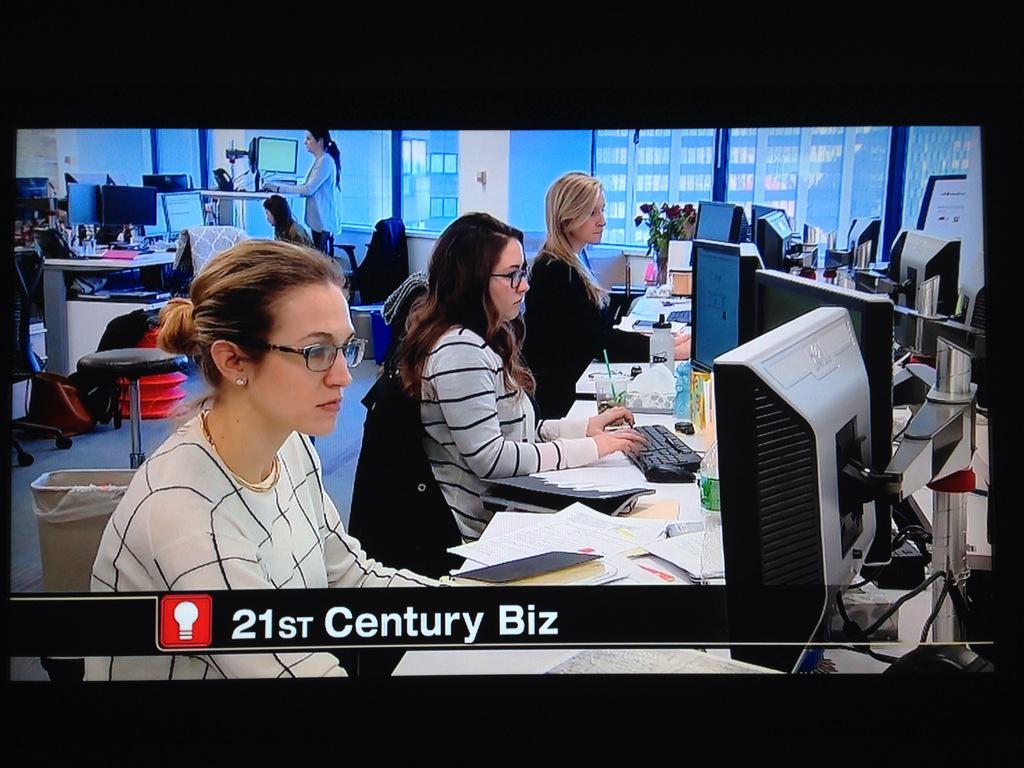 Watching @Chronicle5 #21stcenturybiz w/@Vistaprint @90pluscellars @HubSpot @BostonTweetUp http://t.co/FXctkSLeTE http://t.co/3UtA83Jd6b