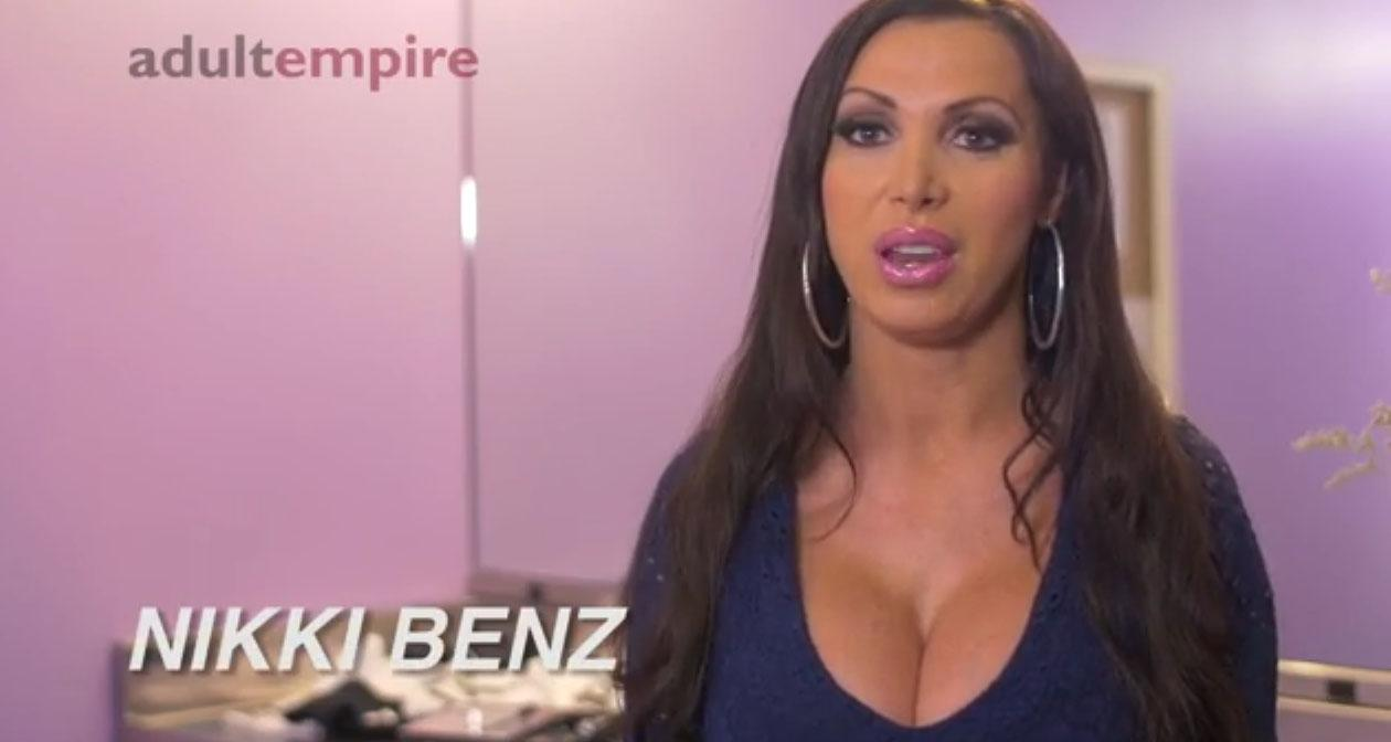 RT @adultempire: A Few Minutes with @nikkibenz Watch Here >> http://t.co/oWmDJKdVG3 http://t.co/so77Kg0Vxl