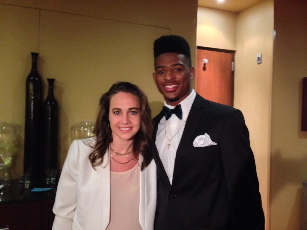 Congrats!! RT @CALLME_WOOD: Old school and new school @BeckyHammon http://t.co/TzbbyUNryH