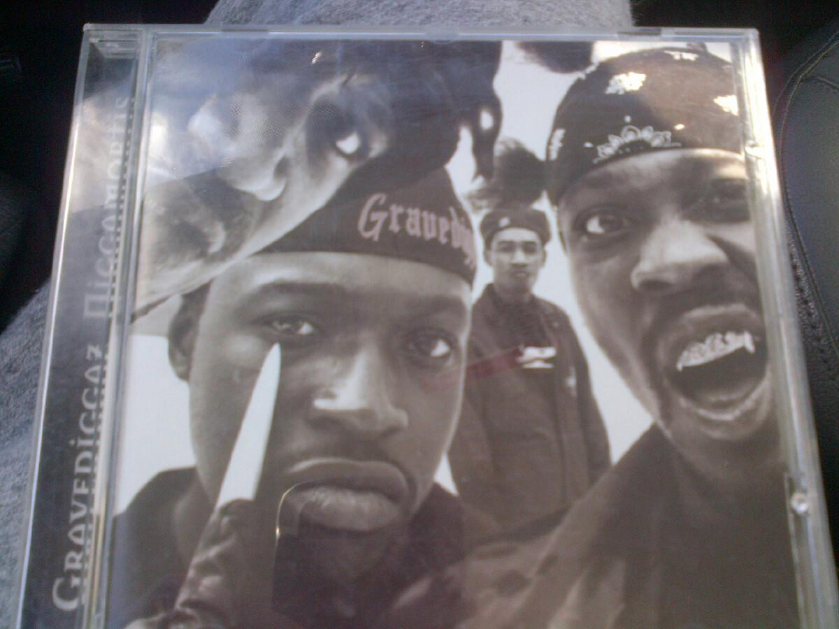 Soundtrack for today! #GraveDiggaz s/o @RZA @princepaul #Fruitkwan #RIP Too Poetic http://t.co/nmOdvAa0Pl