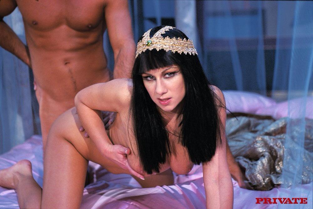 Cleopatra Fucking 46