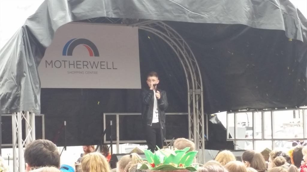 RT @STVAppeal: Who's enjoying the @nickymcdonald1 performance at @Motherwellsc today?? http://t.co/NKfzDGgp4j