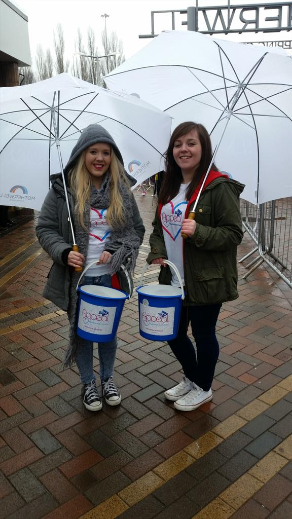 RT @STVAppeal: Say hello to our fabulous volunteers today!! Let's raise some funds for the @STVAppeal. @nickymcdonald1 @Motherwellsc http:/…
