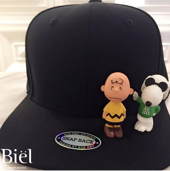 naeunrainbow  150404 BIEL Snoopy figure snapback (Black Charlie Brown    Snoopy set) - 손나은 http   blog.naver.com bielmarket 220320373712 … ... 7529fd4cfb1