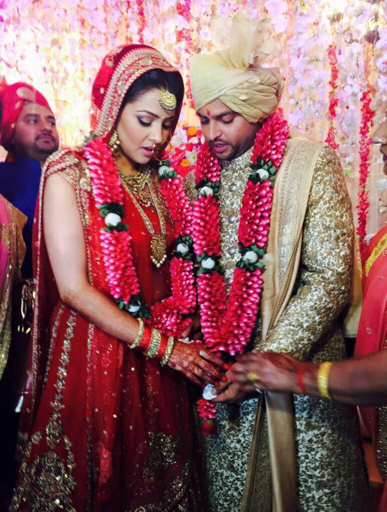 Finally married to my beautiful wife Priyanka. I take this oppurtunity to thank all my supporters and fans http://t.co/cGmnu589x5