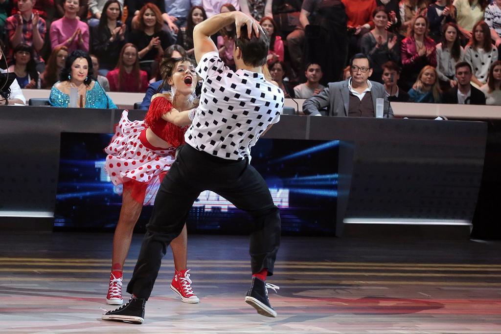 Танцы со звездами. Россия-1 - Страница 10 CBwupytVIAAu9aJ