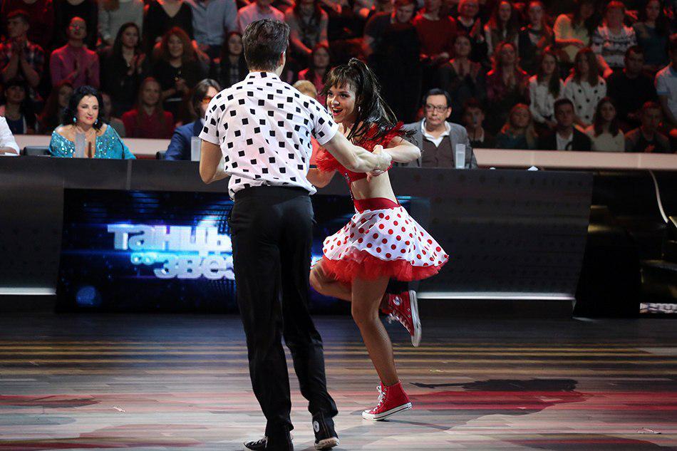 Танцы со звездами. Россия-1 - Страница 10 CBwuvUTVIAAzTQK