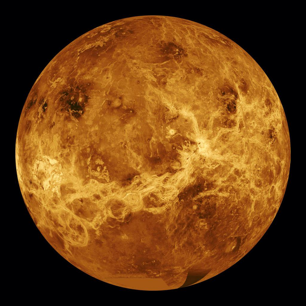 "Mind Blowing on Twitter: ""This is the clearest picture of Mercury ever taken. http://t.co/0eFPeimiAf"""