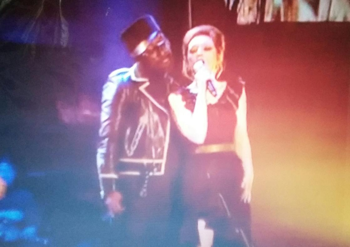 """@iampeabodyadams: Lucy go to win!!! @iamwill #teamWILL #vote4lucy #thevoiceukFINAL http://t.co/98OKyIJ5PM"""