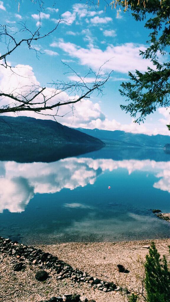 Easter at the lake 💕🐰🐣💐⛅️ – at Shuswap Lake