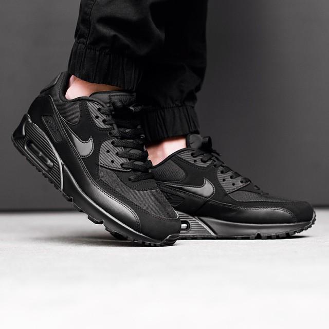 best website 5a518 830a7 Sneaker Shouts™ on Twitter: