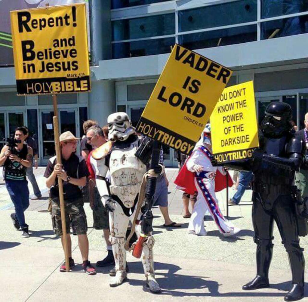 Best counter-protesters ever http://t.co/NCrAIRhLkY