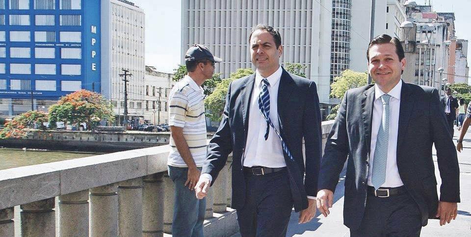 Resultado de imagem para Geraldo Júlio/Paulo Câmara