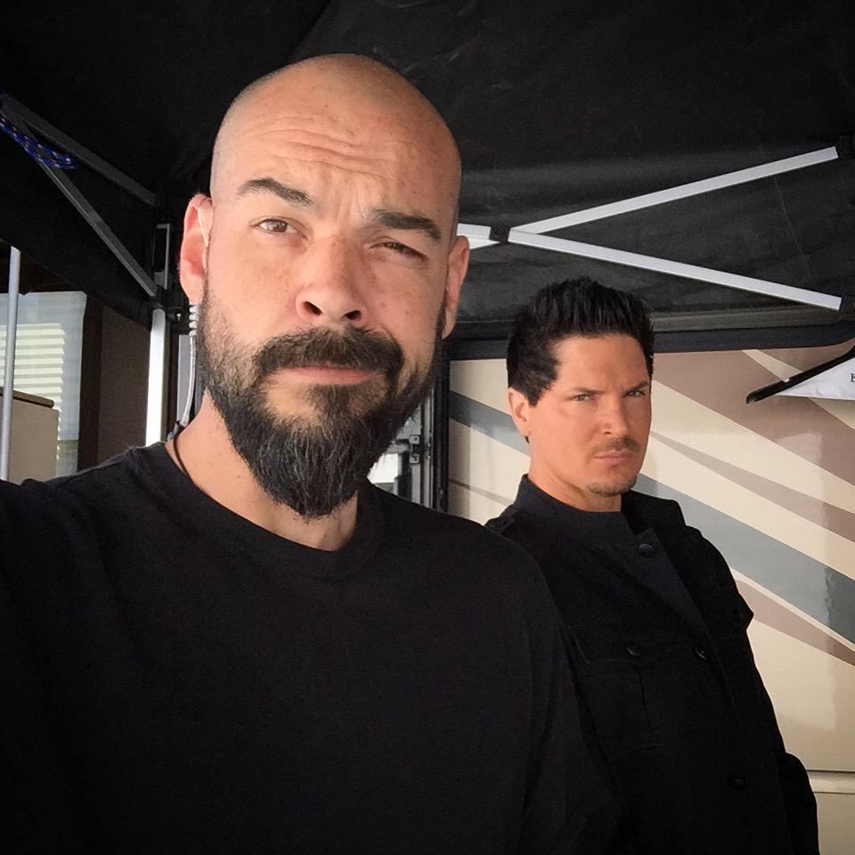 With the #EarPeace in I feel like @Zak_Bagans #SecretService guard