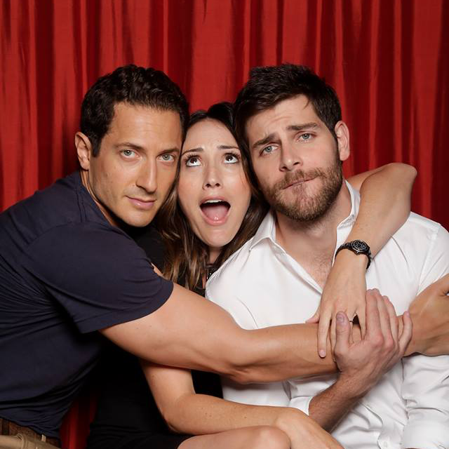 """""""@NBCGrimm: #Grimmsters, join the cuddle party tonight at 8/7c! ❤ #Grimm http://t.co/mDoafVRhRS"""" the 100,000th share gets the address!"""