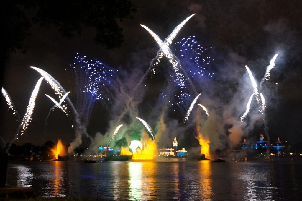 Illuminations at Epcot! #DisneySide #MonkeyKingdomEvent http://t.co/XMEOuHTLtK