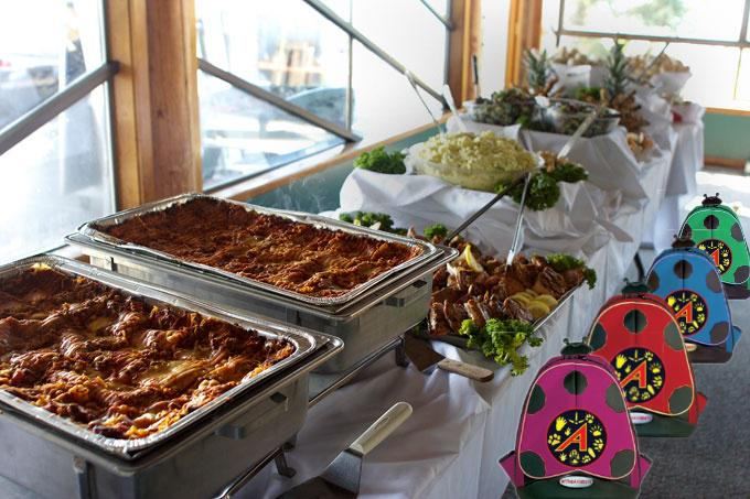 Golly, look at #TheAviators pre-flight buffet... something for everyone! Tuck in! http://t.co/MFVIAakcOu
