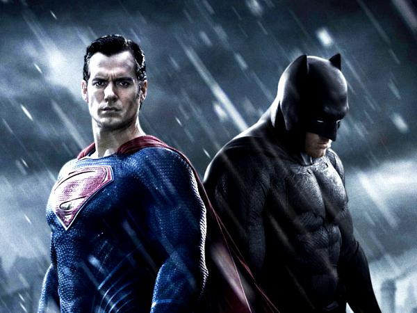First trailer for Batman v Superman