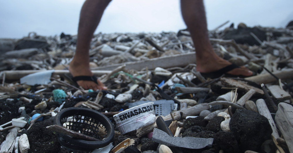 RT @i_D: Should fashion do more? http://t.co/9MgZl1wWug #PlasticAge http://t.co/UFaZziSpi5