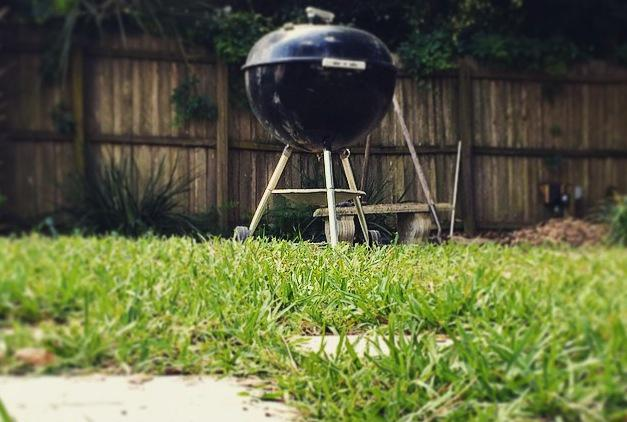 Don't wait for the smell of your neighbor's #BBQ to get started. Get #grilling! http://t.co/24RuP8UELc