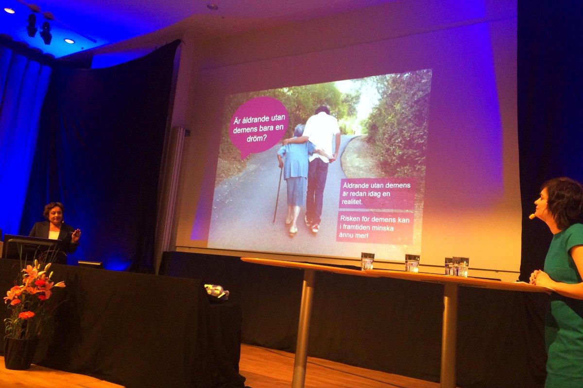 Är åldrande utan demens bara en dröm? frågar Laura Fratiglioni på #vetfest #KIForskning http://t.co/5rZyqfBRiz
