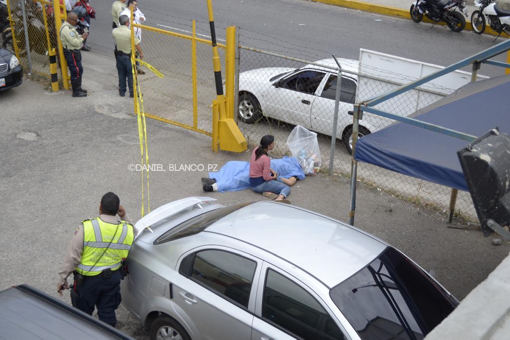Crisis de inseguridad en Venezuela. (sálvese quien pueda) - Página 5 CC5-lalWgAAhQt6