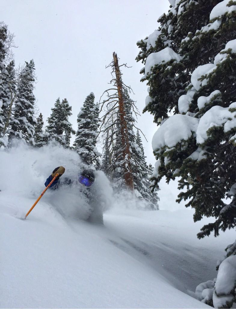 We're not finished yet. #Aspen's winter is wrapping up in style. Skier: @JesseJHoffman Photo: @GFitzsimmons http://t.co/Zk3TNWt4XR