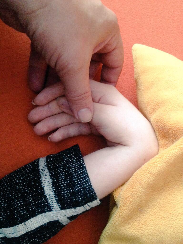 't gaat om mensen, niet om systemen. #handinhand om de zorg terug te brengen naar de maat die mijn dochter begrijpt. http://t.co/LyKXPYukRi
