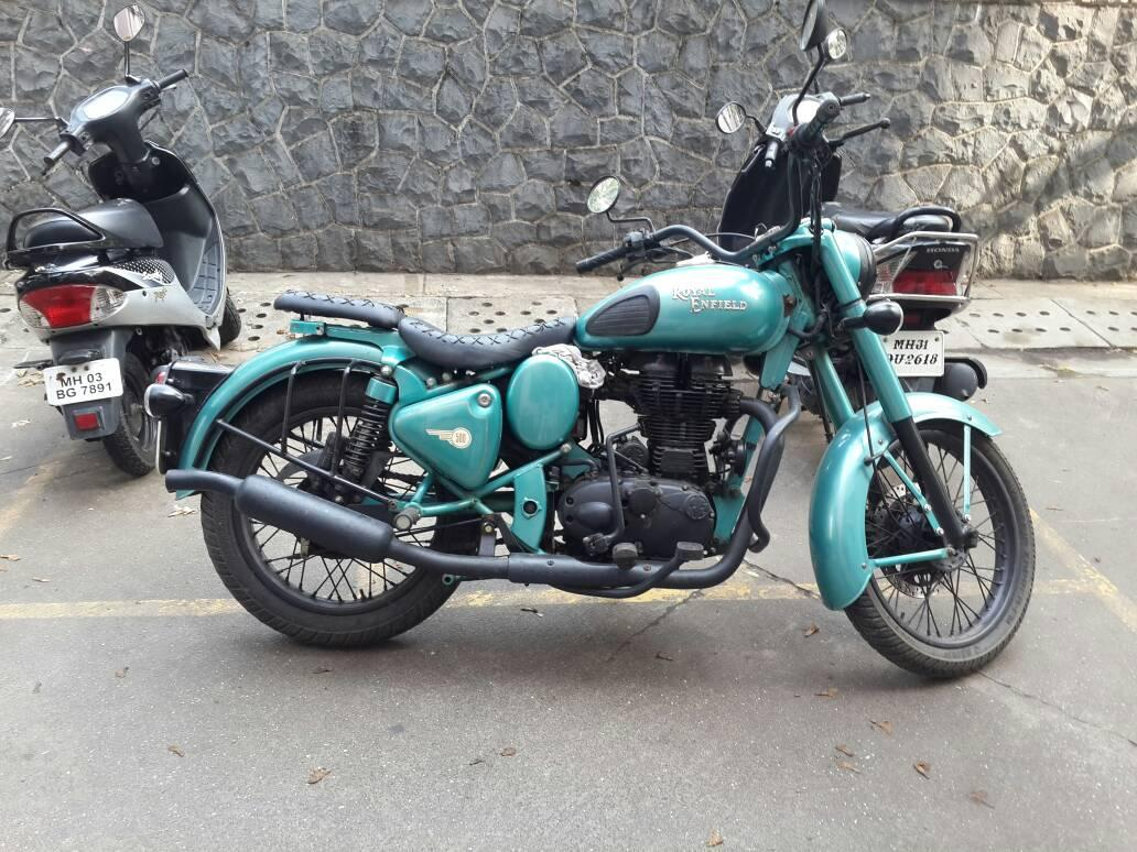 Friend wants to sell his Royal Enfield Classic 500. Know anyone who wants? Details: http://t.co/gqUK0XvqGH