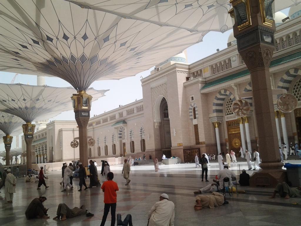 Prophet's Mosque - Masjid Nabawi - Page 2 CC8yNiNVIAA5_73