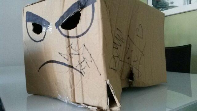 brutal anit la #telecogresca, vam acabar dalt de l'escenari ballant amb @djsfrommars i ens van signar les caixes! http://t.co/GAWKnQYFuI