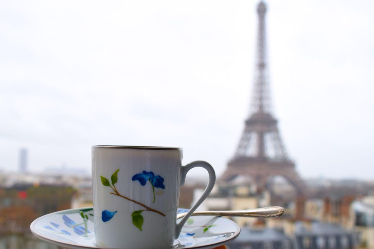 How much does a trip to #Paris cost? Here's the breakdown: http://t.co/fDzCMDKdye http://t.co/HT2ud43iyz