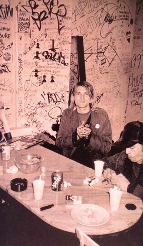 Kurt Cobain & Dave Grohl.