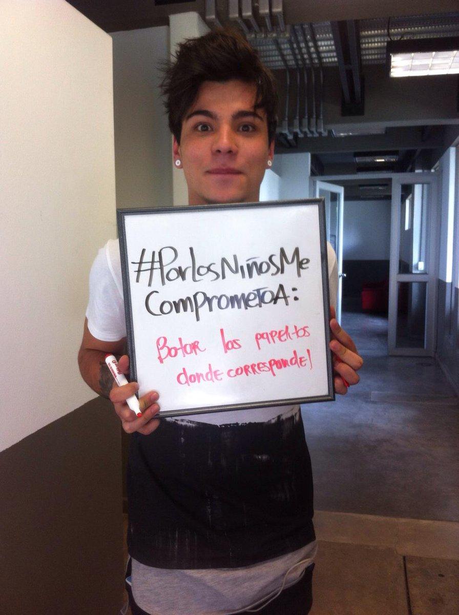 @villalobossebas También se compromete con los niños #PorLosNiñosMeComprometo http://t.co/at2jOAdBIT