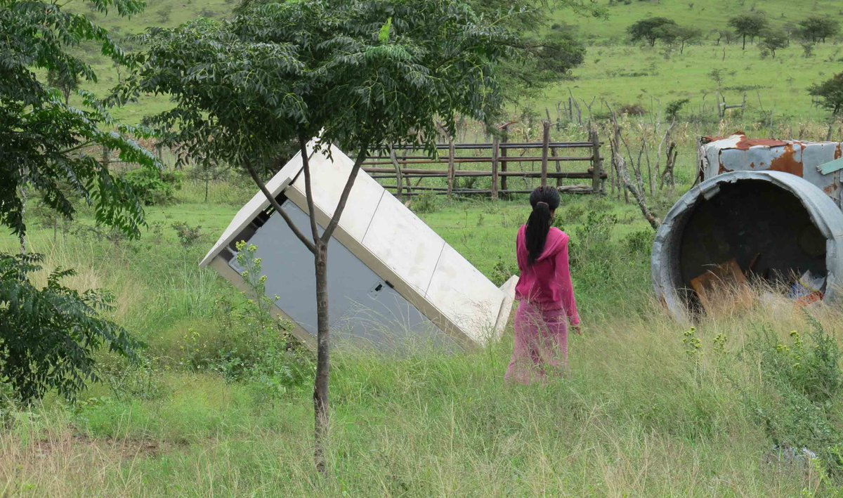 R631m tender #toilets collapse: Only one of 83 still upright after #rainfalls http://t.co/4yr2beVcy7 #ddtoilets http://t.co/tN2ULYsMRx