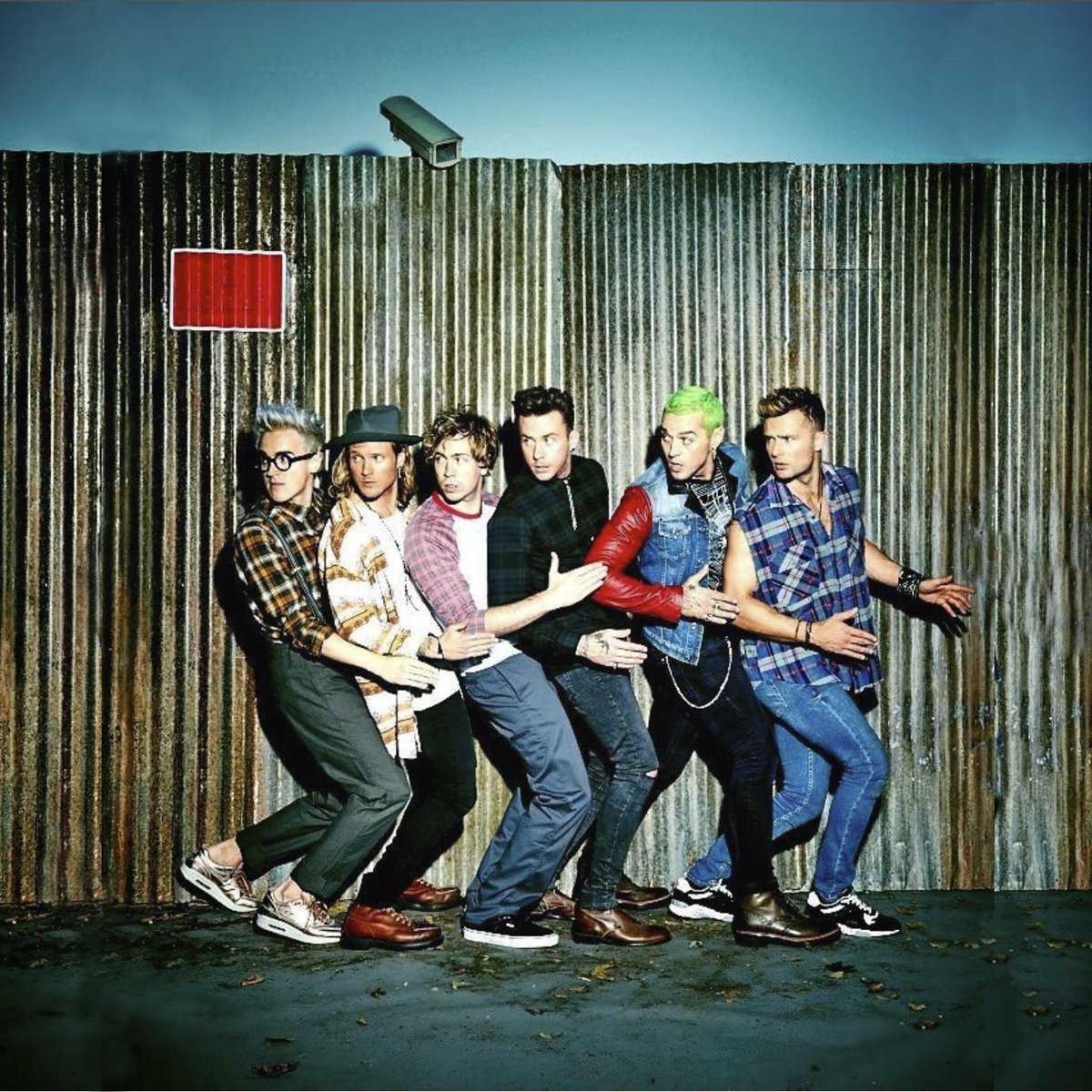 We have 2 tickets up for grabs to see McBusted at @capitalfmarena on April 19th just RT for a chance to win! http://t.co/igRLxLPOrM