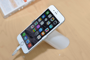 [ニュース] au版iPhone 6、VoLTEオンで通信はLTEのみに http://t.co/io57vE69Cs http://t.co/pBHlMx0qlp
