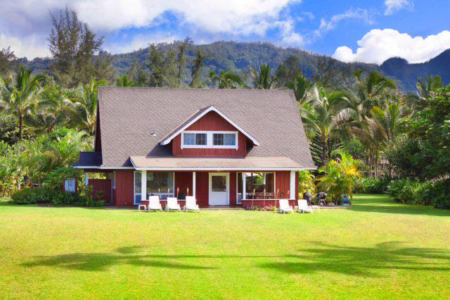 Julia Roberts Is Selling Historic Hawaii Property for $30 Million http://t.co/5UrU30qFHR http://t.co/PBBvA1pNYs