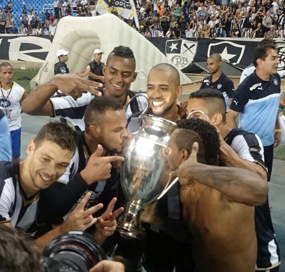 BOTAFOGO CAMPEÃO DA UEFA CHAMPIONS LEAGUE!! http://t.co/rE2eLFDmnF