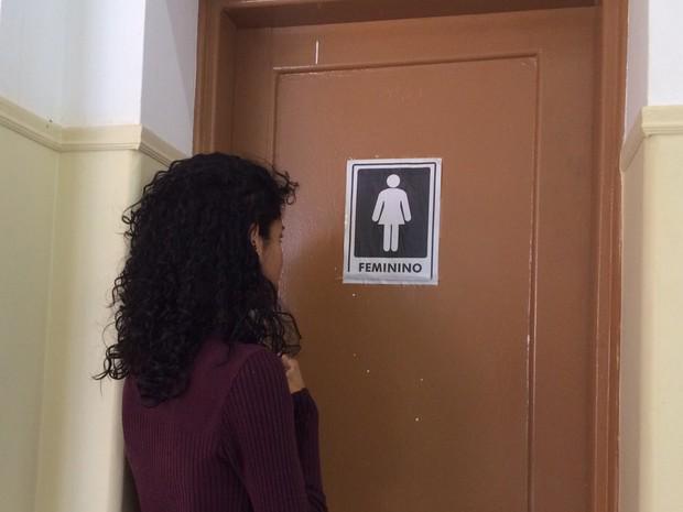 De Israel a Thifany: Filha de pastor é 1ª transexual a usar nome social em escola em Jacareí http://t.co/qdjUTWOXQK