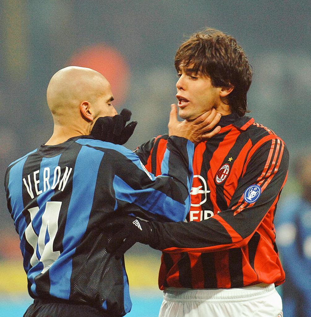"VintageFooty on Twitter: ""Veron vs Kaka in the Milan Derby  http://t.co/cOmIo82nu7"""