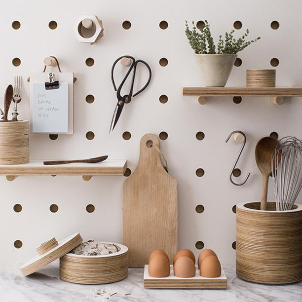 I have a beautiful @KreisdesignLON pegboard to give away on the blog today http://t.co/bnr8Dulrhx #cdbirthdaygiveaway http://t.co/tDusv9zAhW