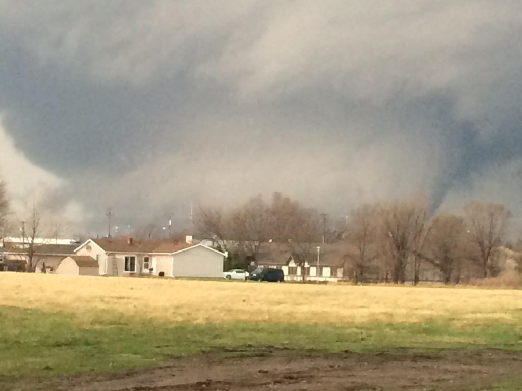 Picture: Large #Illinois damaging tornado: RT@kkoch03: @13WREX #tornado that went by #Rochelle http://t.co/aGMq269vWK #ILwx