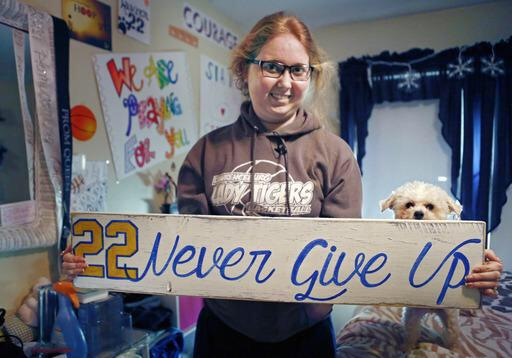 """@PrezOno: Lauren Hill. You inspired us all. You were a gift from God. An angel in our midst. RIP http://t.co/ONIbK7ZjTq"" 🙏 #RIP #Prayers"